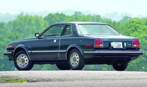 Photo Image Gallery: Honda Prelude in Inverness Blue Black Metallic (B14M)  YEARS: -