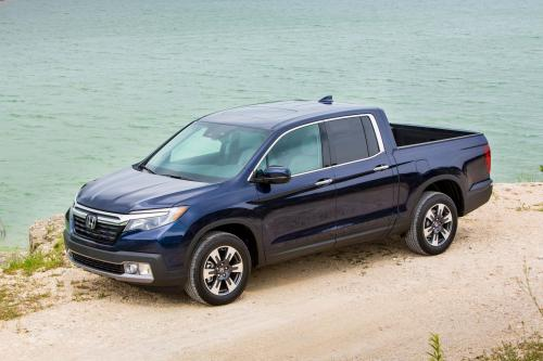 Photo Image Gallery & Touchup Paint: Honda Ridgeline in Obsidian Blue Pearl  (B588P)  YEARS: 2017-2019
