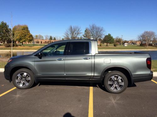 Photo Image Gallery & Touchup Paint: Honda Ridgeline in Forest Mist Metallic  (G537M)  YEARS: 2017-2019