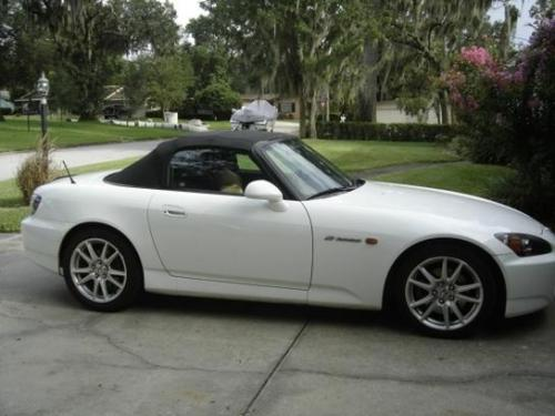 Photo Image Gallery & Touchup Paint: Honda S2000 in Grand Prix White  (NH565)  YEARS: 2008-2009