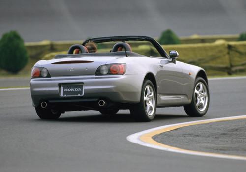 Photo Image Gallery: Honda S2000 in Silverstone Metallic   (NH630M)  YEARS: -