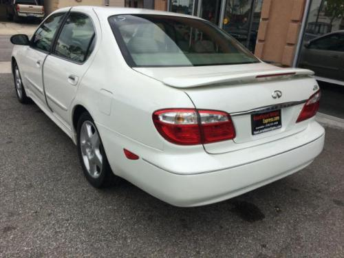 Photo Image Gallery & Touchup Paint: Infiniti I in Aspen White Pearl  (QT1)  YEARS: 2000-2001