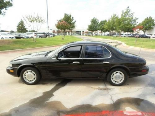Photo Image Gallery & Touchup Paint: Infiniti J in Black Obsidian   (KH3)  YEARS: 1993-1997