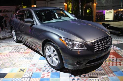 Photo Image Gallery & Touchup Paint: Infiniti M in Blue Slate   (K52)  YEARS: 2011-2011