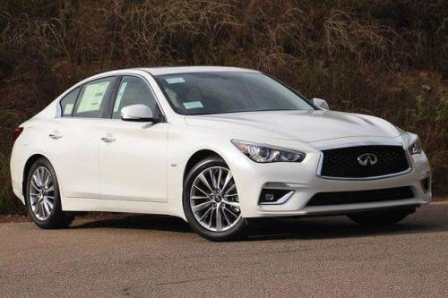 Photo Image Gallery & Touchup Paint: Infiniti Q50 in Majestic White   (QAB)  YEARS: 2016-2018
