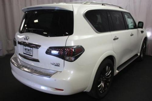 Photo Image Gallery & Touchup Paint: Infiniti QX in Majestic White   (QAB)  YEARS: 2015-2017