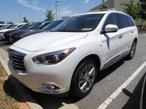 Photo Image Gallery & Touchup Paint: Infiniti Qx60 in Majestic White   (QAB)  YEARS: 2015-2019