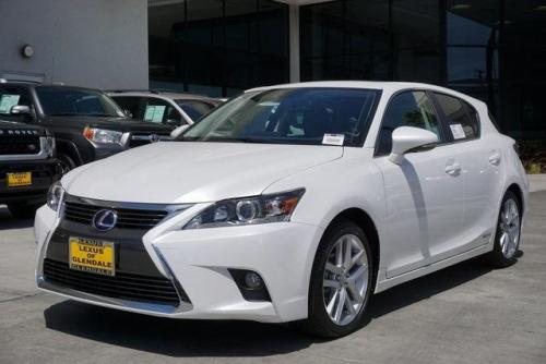 Photo Image Gallery & Touchup Paint: Lexus CT in Eminent White Pearl  (085)  YEARS: 2015-2017