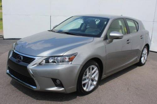 Photo Image Gallery & Touchup Paint: Lexus CT in Atomic Silver   (1J7)  YEARS: 2017-2017