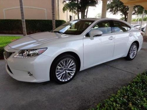 Photo Image Gallery & Touchup Paint: Lexus ES in Starfire Pearl   (077)  YEARS: 2013-2015