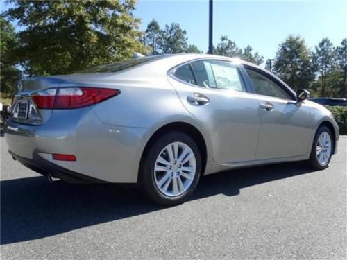 Photo Image Gallery & Touchup Paint: Lexus ES in Atomic Silver   (1J7)  YEARS: 2015-2017
