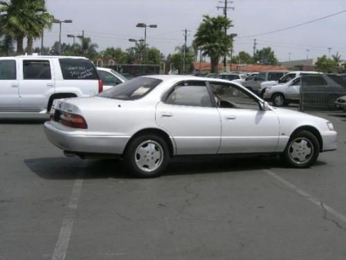 Photo Image Gallery & Touchup Paint: Lexus ES in Opal White Pearl  (046)  YEARS: 1996-1996