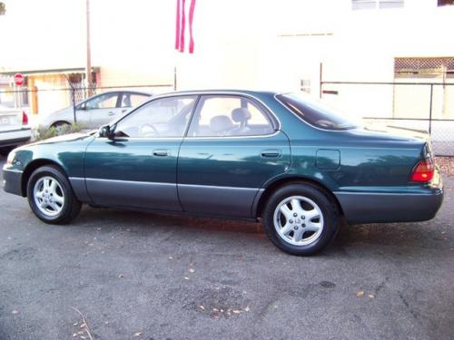 Photo Image Gallery & Touchup Paint: Lexus ES in Classic Green Pearl  (6P2)  YEARS: 1996-1996