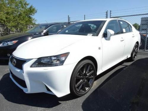 Photo Image Gallery & Touchup Paint: Lexus GS in Ultra White   (083)  YEARS: 2014-2017