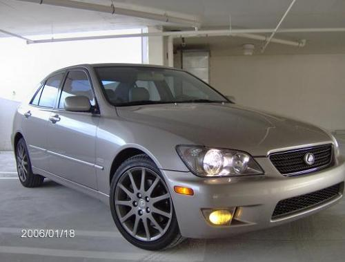 Photo Image Gallery & Touchup Paint: Lexus IS in Thundercloud Metallic   (1D2)  YEARS: 2003-2004