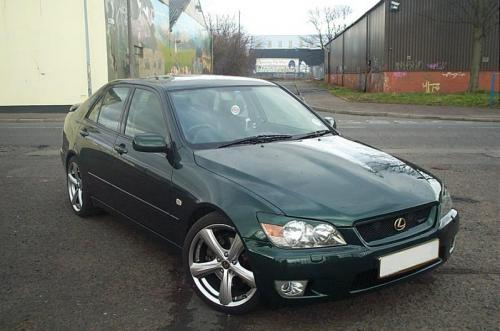 Photo Image Gallery & Touchup Paint: Lexus IS in Imperial Jade Mica  (6Q7)  YEARS: 2001-2001