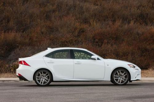 Photo Image Gallery & Touchup Paint: Lexus IS in Ultra White   (083)  YEARS: 2014-2017