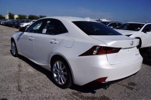 Photo Image Gallery & Touchup Paint: Lexus IS in Eminent White Pearl  (085)  YEARS: 2016-2017
