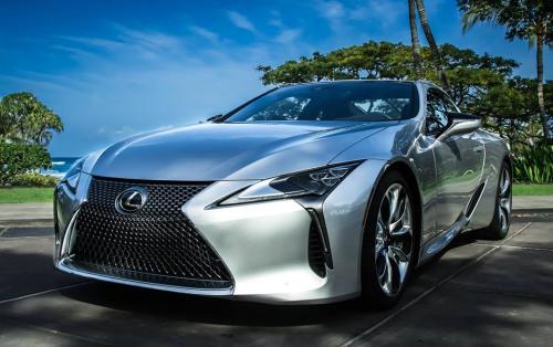Photo Image Gallery & Touchup Paint: Lexus LC in Liquid Platinum   (1J2)  YEARS: 2018-2018