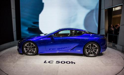 Photo Image Gallery & Touchup Paint: Lexus LC in Structural Blue   (8Y0)  YEARS: 2018-2018