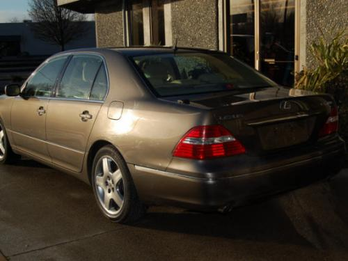 Photo Image Gallery & Touchup Paint: Lexus LS in Briarwood Pearl   (4S1)  YEARS: 2004-2006