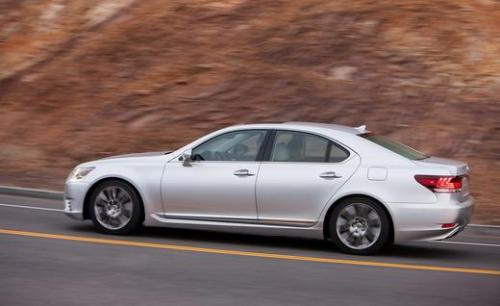 Photo Image Gallery & Touchup Paint: Lexus LS in Liquid Platinum   (1J2)  YEARS: 2013-2014