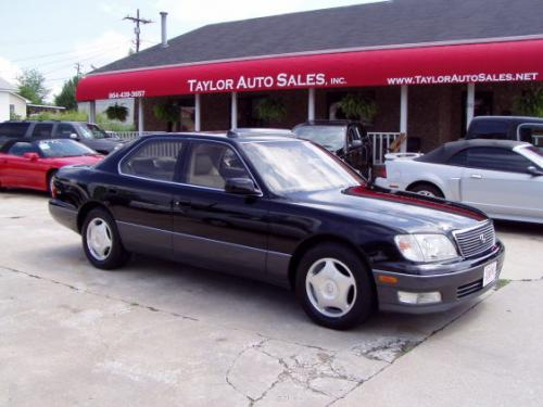 Photo Image Gallery & Touchup Paint: Lexus LS in Black Onyx   (202)  YEARS: 1995-2000