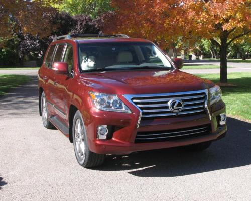 Photo Image Gallery: Lexus LX in Noble Spinel Mica  (3R7)  YEARS: -