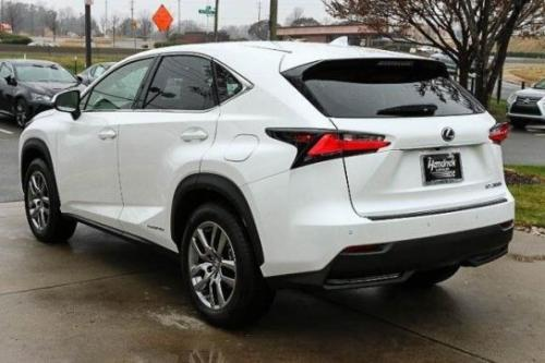 Photo Image Gallery & Touchup Paint: Lexus NX in Eminent White Pearl  (085)  YEARS: 2015-2015