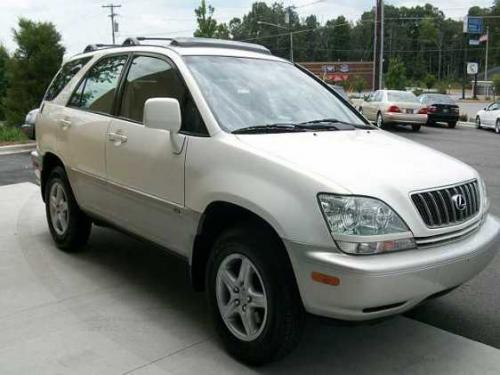 Photo Image Gallery & Touchup Paint: Lexus RX in White Gold Crystal  (065)  YEARS: 2001-2003