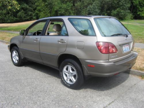Photo Image Gallery & Touchup Paint: Lexus RX in Burnished Gold Metallic  (4P2)  YEARS: 1999-2003