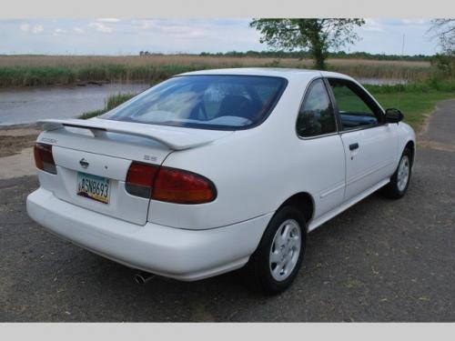 Photo Image Gallery & Touchup Paint: Nissan 200sx in Cloud White   (QM1)  YEARS: 1995-1998