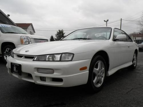 Photo Image Gallery & Touchup Paint: Nissan 240sx in Aspen White Pearlglow  (WK0)  YEARS: 1995-1998