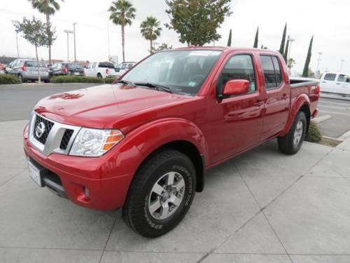 Photo Image Gallery & Touchup Paint: Nissan Frontier in Lava Red   (EAF)  YEARS: 2012-2018