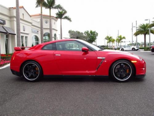 Photo Image Gallery: Nissan Gtr in Solid Red   (A54)  YEARS: -