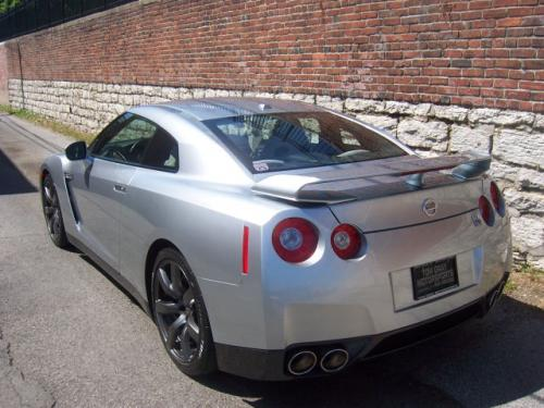 Photo Image Gallery & Touchup Paint: Nissan Gtr in Super Silver   (KAB)  YEARS: 2015-2018