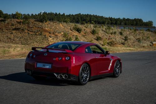 Photo Image Gallery & Touchup Paint: Nissan Gtr in Regal Red   (NAS)  YEARS: 2015-2016