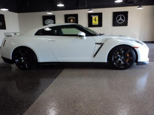 Photo Image Gallery & Touchup Paint: Nissan Gtr in Pearl White   (QAB)  YEARS: 2010-2018