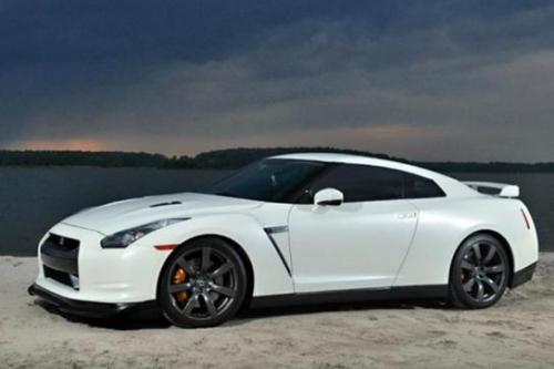 Photo Image Gallery & Touchup Paint: Nissan Gtr in Ivory Pearl   (QX1)  YEARS: 2009-2009