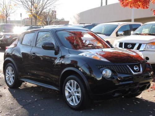 Photo Image Gallery & Touchup Paint: Nissan Juke in Bordeaux Black   (GAB)  YEARS: 2014-2017