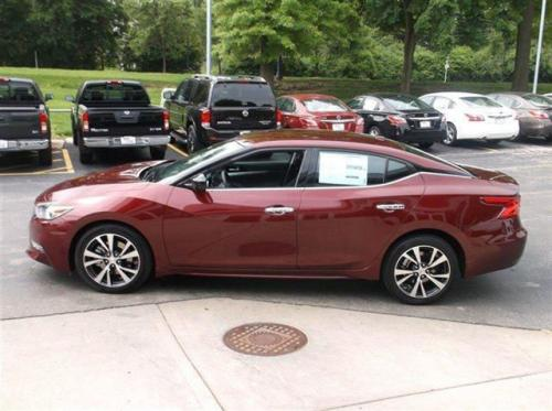 Photo Image Gallery & Touchup Paint: Nissan Maxima in Coulis Red   (NAW)  YEARS: 2016-2017