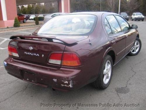 Photo Image Gallery & Touchup Paint: Nissan Maxima in Mahogany Pearl   (CP2)  YEARS: 1999-1999