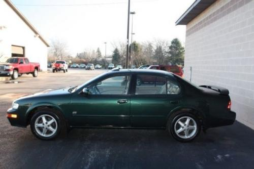 Photo Image Gallery & Touchup Paint: Nissan Maxima in Sherwood Green   (DR2)  YEARS: 1999-1999