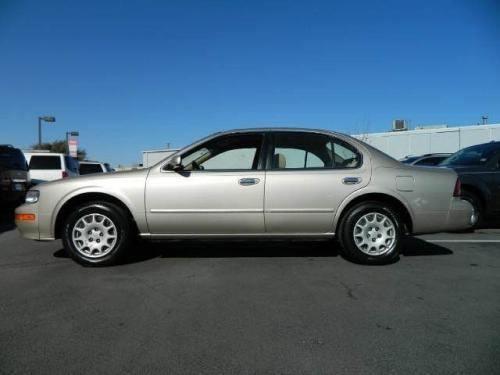 Photo Image Gallery & Touchup Paint: Nissan Maxima in Sunlit Sand   (EV0)  YEARS: 1999-1999