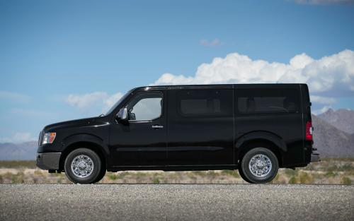 Photo Image Gallery & Touchup Paint: Nissan NV in Super Black   (KH3)  YEARS: 2012-2018