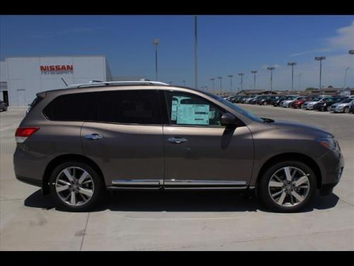 Photo Image Gallery & Touchup Paint: Nissan Pathfinder in Mocha Stone   (CAL)  YEARS: 2013-2014