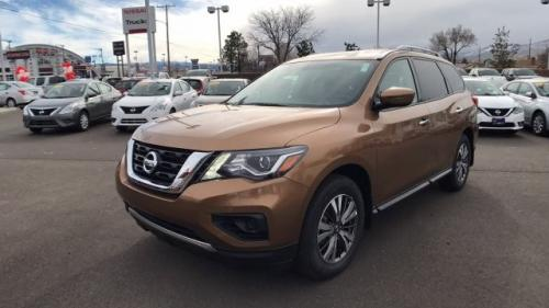 Photo Image Gallery & Touchup Paint: Nissan Pathfinder in Sandstone    (CAX)  YEARS: 2017-2017