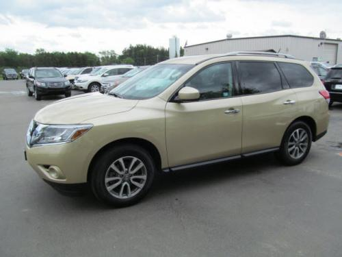 Photo Image Gallery & Touchup Paint: Nissan Pathfinder in Desert Sand   (HAE)  YEARS: 2013-2013