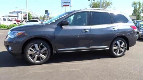 Photo Image Gallery & Touchup Paint: Nissan Pathfinder in Dark Slate   (K50)  YEARS: 2013-2014
