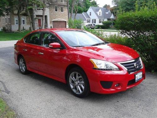 Photo Image Gallery & Touchup Paint: Nissan Sentra in Red Alert   (EAC)  YEARS: 2015-2018
